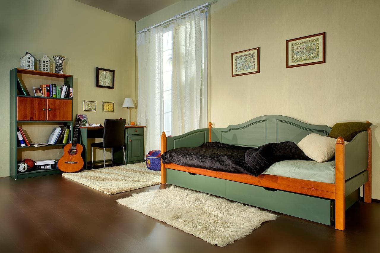 Диван кровать из массива сосны
